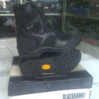 Sepatu Blackhawk black Colour
